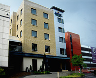 holiday inn express dublin airport budget hotel free shuttle park and fly restaurants. Black Bedroom Furniture Sets. Home Design Ideas